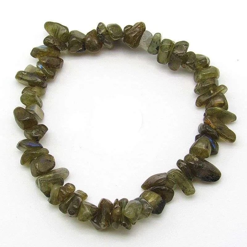 Green labradorite chip bracelet.