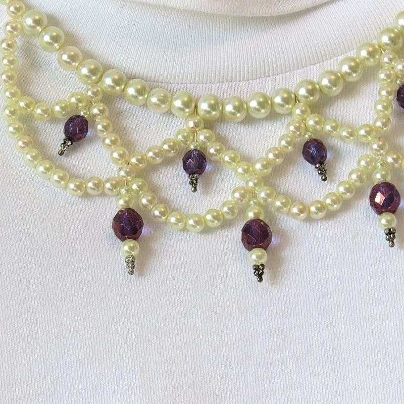 Purple faceted beads and pearls semi-choker necklace detail