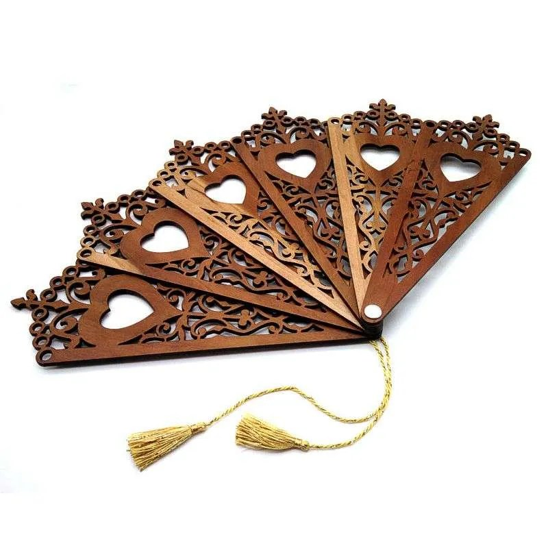 Decorative hardwood fan-filigree heart.