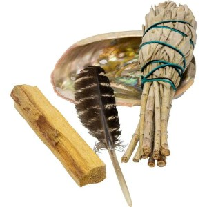 Small smudging kit with white sage and Palo Santo.