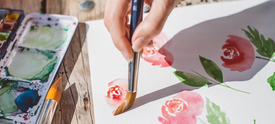 Do you want to know my favorite tools & materials to paint with watercolors? Download here my list and start painting!