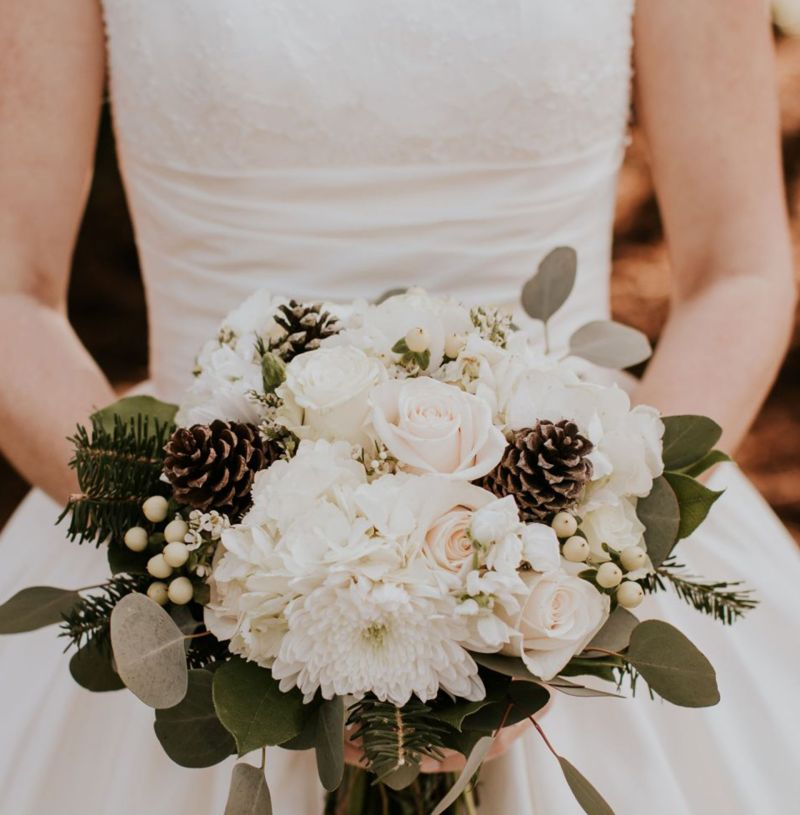 All About Our Winter Wedding Flowers
