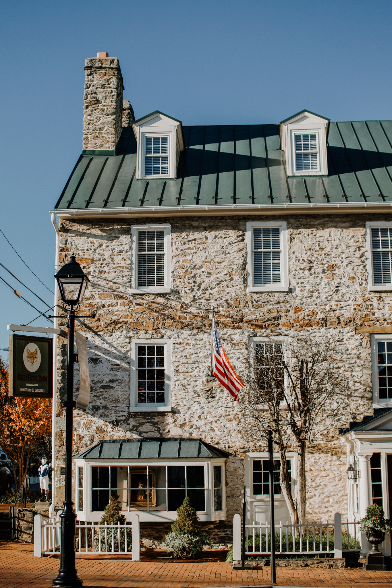 afternoon in middleburg - day in middleburg - red fox inn