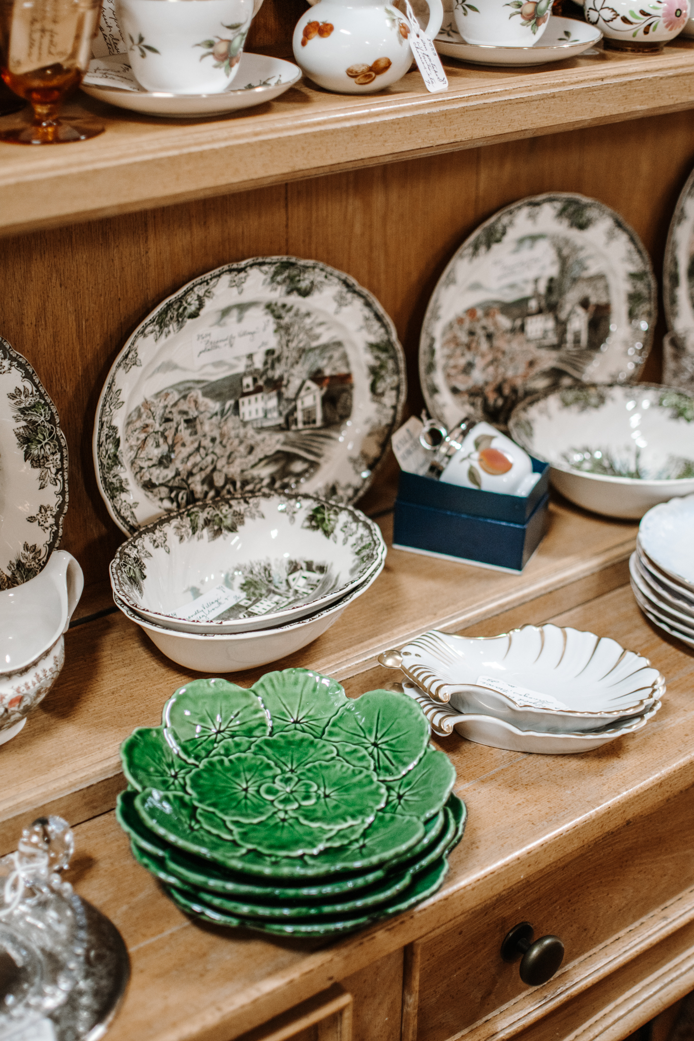 antiquing in frederick maryland - frederick maryland antiques - emporium antiques frederick