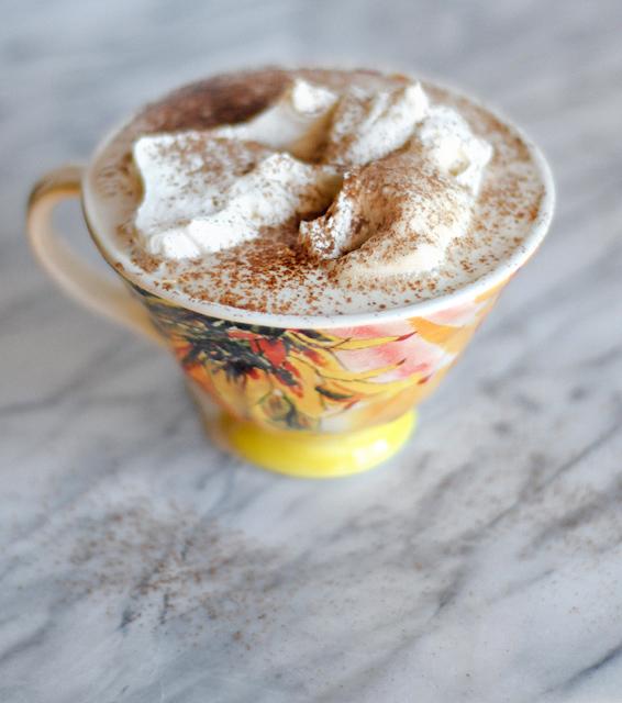 Homemade White Chocolate Mocha from @HeathersDish
