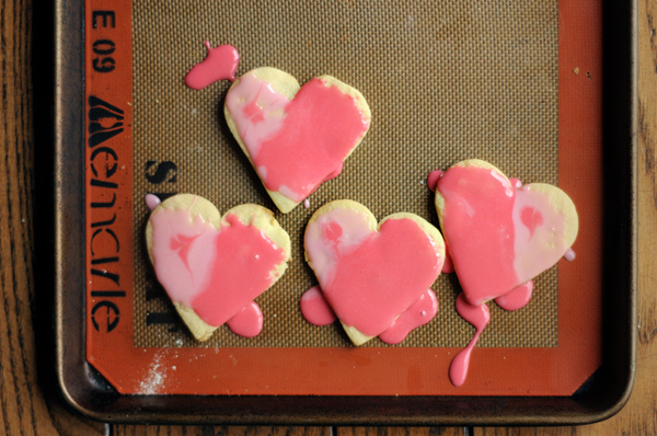 painted-heart-valentines-cookies