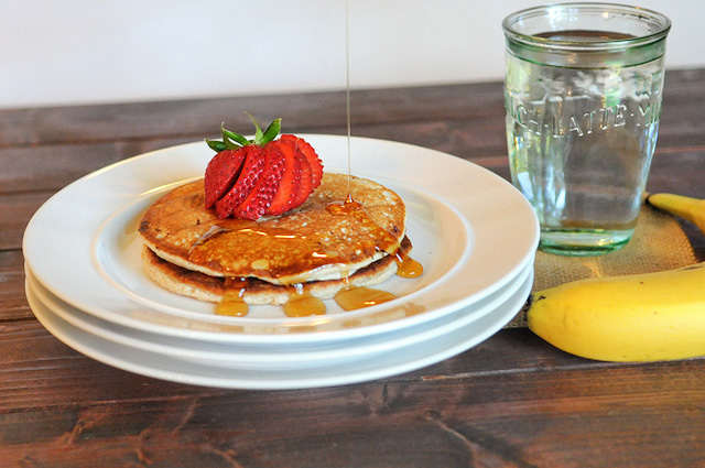 3-Ingredient Healthy Protein Pancakes || Heather's Dish #healthy #breakfast