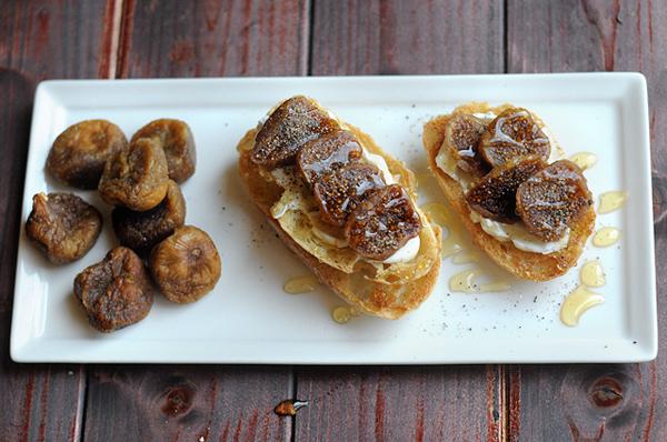 goat-cheese-fig-honey-bruschetta