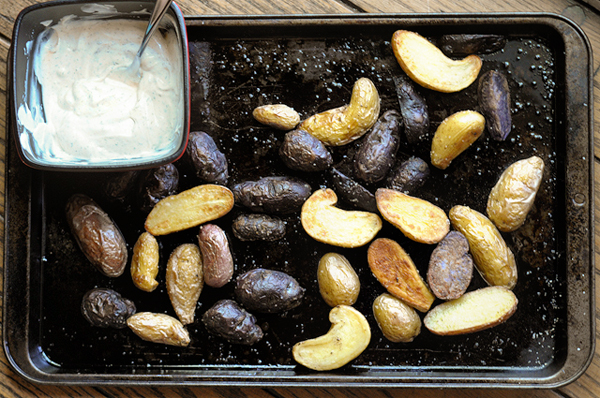 baked-fingerling-potatoes-with-homemade-ranch-drizzle