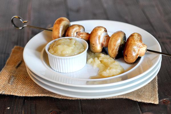 mushroom-kebabs-with-onion-sauce