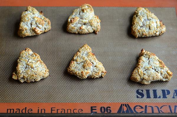 almond-apple-scones