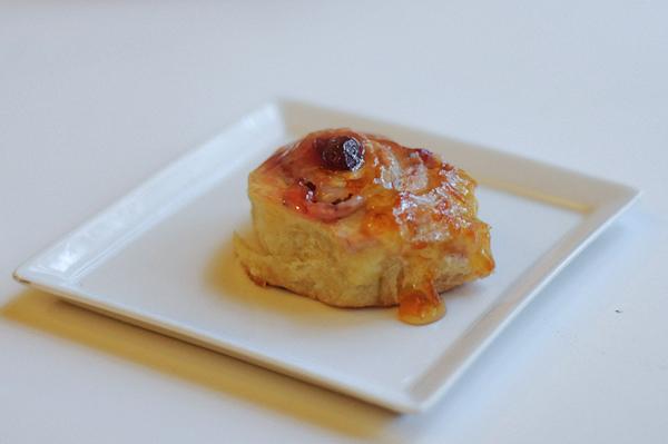 Strawberry-jam-rolls-with-orange-glaze