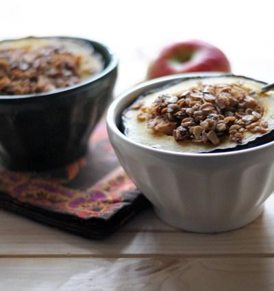 Chunky Applesauce Oatmeal Baked Acorn Squash || HeathersDish.com
