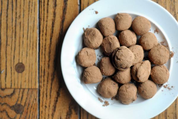 peppermint-mocha-truffles