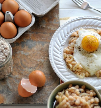 Rustic White Beans & Eggs