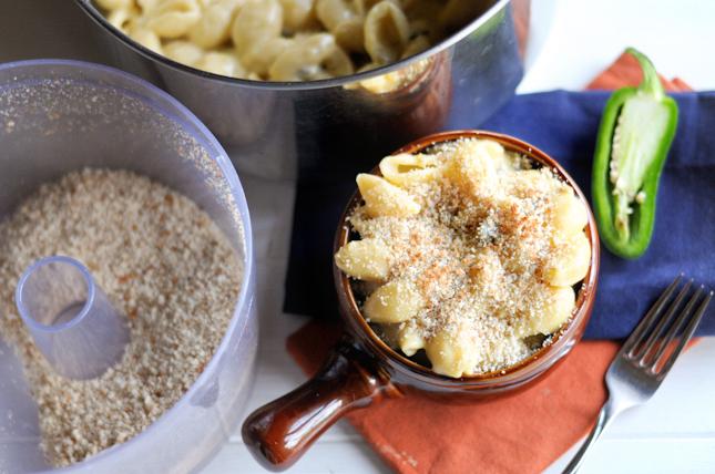 Jalapeño Popper Mac and Cheese || HeathersDish.com #macandcheesemania