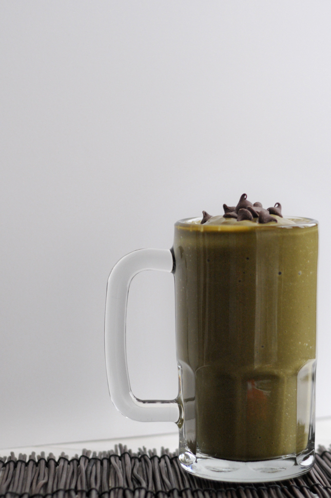 Green Chocolate Nut Butter Smoothie || HeathersDish.com