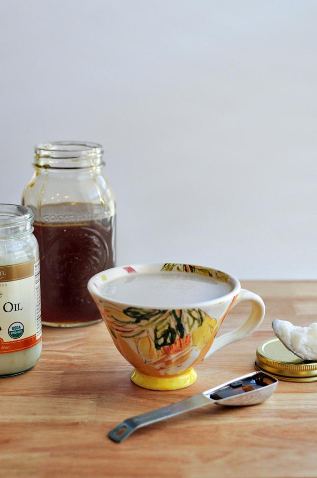 Coconut Oil Latte || HeathersDish.com #dairyfree #coffee #latte