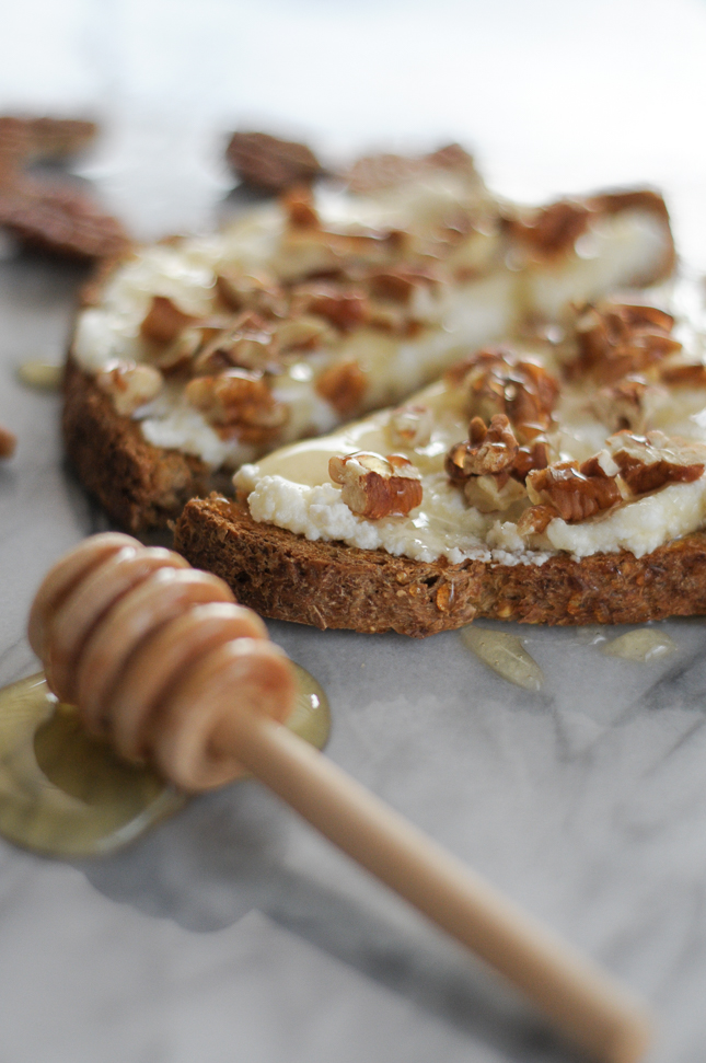 Toast with Ricotta, Honey and Toasted Pecans satsifies all of the cravings in one hit. A perfect snack toast that can be thrown together in no time!