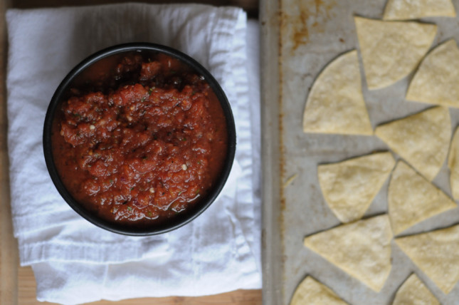 The Ultimate Fire-Roasted Salsa and Baked Tortilla Chips #cincodemayo