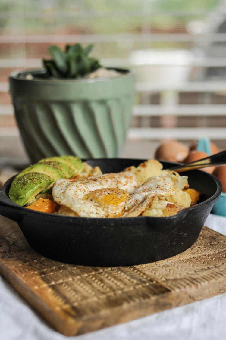 ThisButternut Squash and Cauliflower Breakfast Power Skillet is a hearty and nutrition-dense way to start any day! @heathersdish