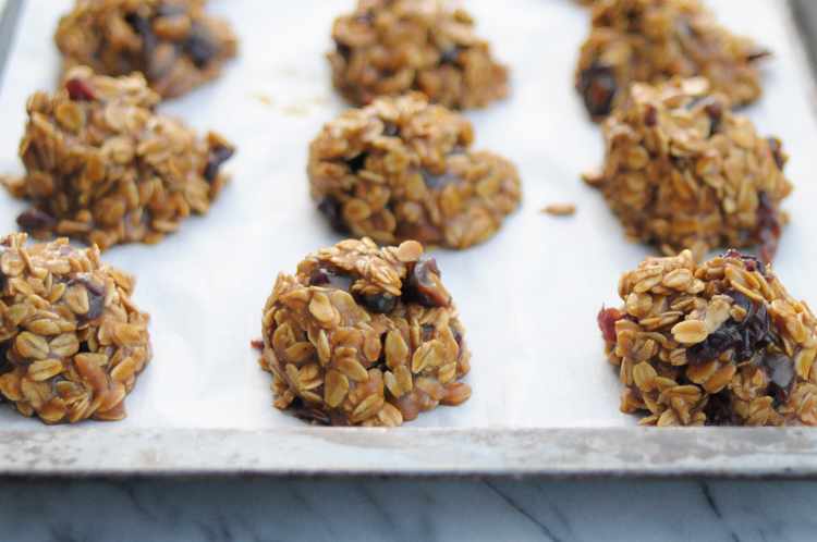 Maple Pumpkin No-Bake Cookies! Think the classic no-bake cookie, created with the fall cozies in mind. They pair well with coffee, tea and a fuzzy blanket. @heathersdish