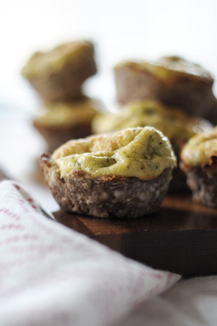 Low-Carb Pesto Parmesan Sausage Cups are flavorful, easy to make, and perfect for ANY meal! @heathersdish @ #JimmyDeanRollSausage #sponsored @JimmyDean