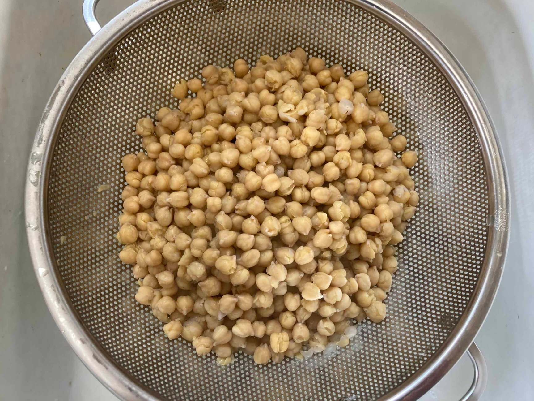 drained cooked chickpeas