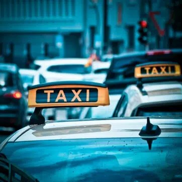 Airport Cars Fareham to Gatwick Taxi Prices