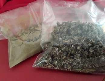 Raspberry Leaf Powder and leaf in bags 4
