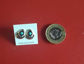 Bear paw stud earrings 1