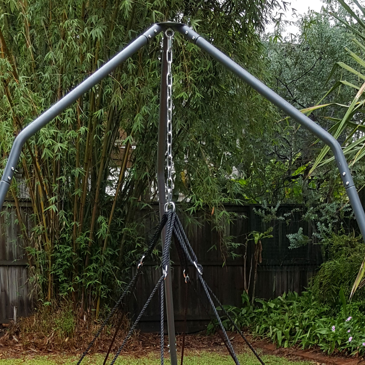 150cm Black Mat Nest Swing With Tripod Stand