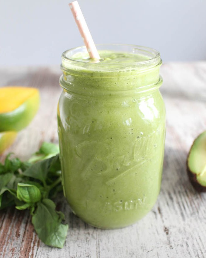 Green Mango Basil Smoothie - vegetarian, vegan, refined sugar free, healthy - heavenlynnhealthy.com