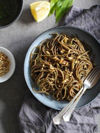 Wild garlic pesto with spelt pasta