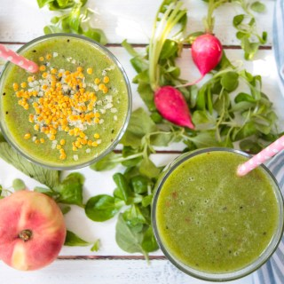 Refreshing Green Summer Smoothie with Radish Leaves
