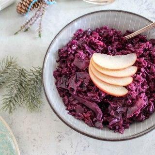 Spiced Apple Cabbage - plant based, vegan, gluten free, refined sugar free - heavenlynnhealthy.com