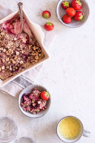 Baked Berry Oatmeal - plant based, gluten free, vegan, refined sugar free, healthy - heavenlynnhealthy.com
