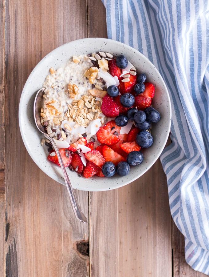 Overnight Oats - my favorite basic recipe - plant-based, vegan, gluten free, refined sugar free - heavenlynnhealthy.com