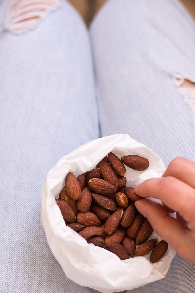 Spicy Roasted Almonds - the perfect snack for traveling - heavenlynnhealthy.com