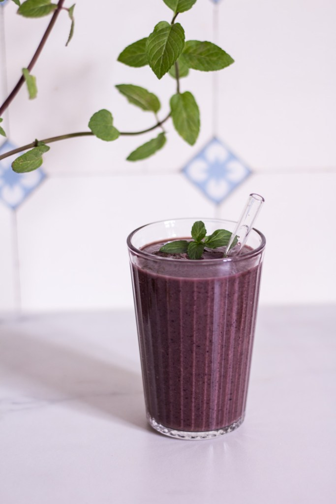 The ultimate blueberry power smoothie - plant-based, vegan, gluten free, refined sugar free - heavenlynnhealthy.com