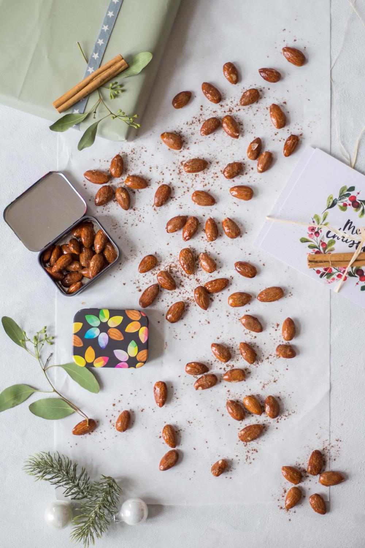 Christmas-spiced & roasted almonds - plant-based, vegan, gluten free, refined sugar free - heavenlynnhealthy.com