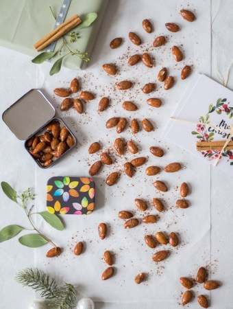 Christmas-spiced & roasted almonds