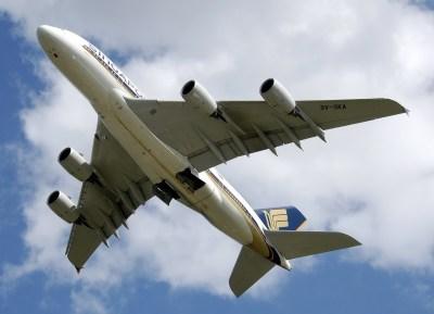 plane-544851_1280