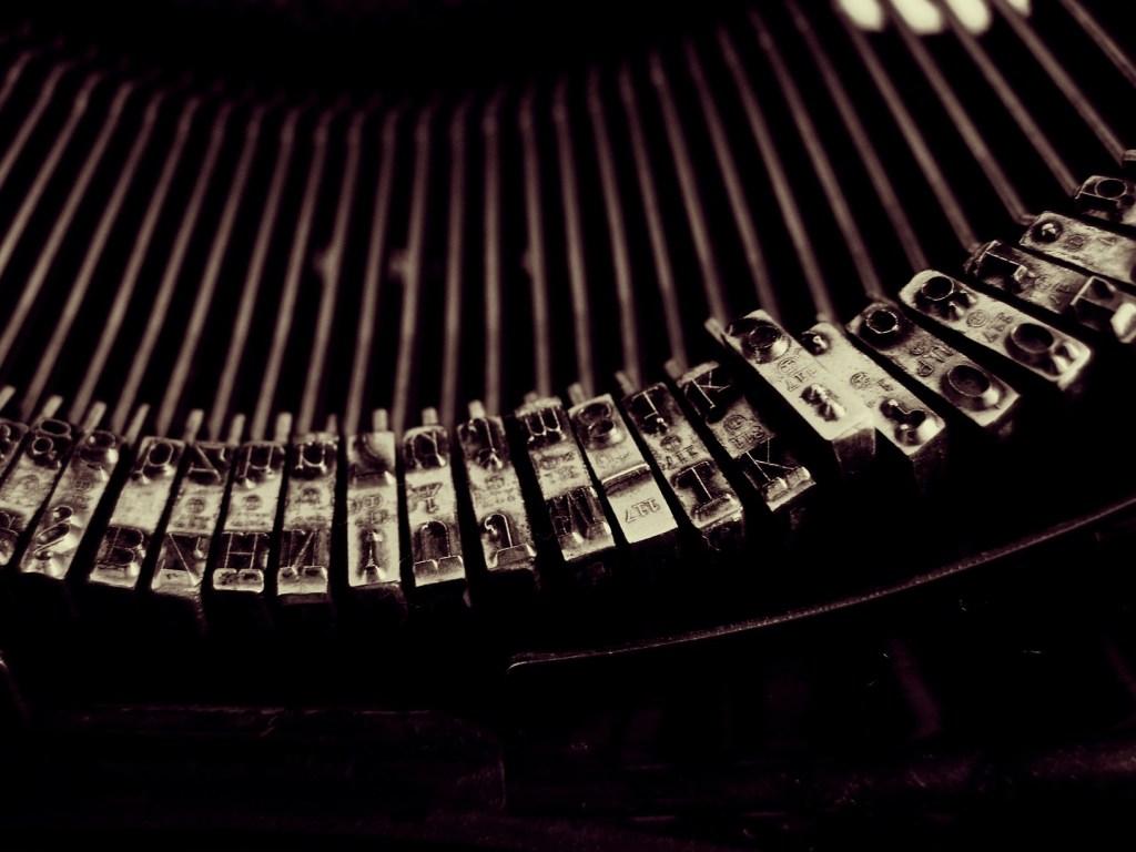 photo-Csabi-Elter-typewriter1b