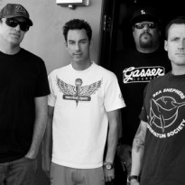 """Pennywise streamen neuen Song """"All or Nothing"""""""