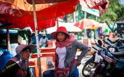 Crab Market Women-3
