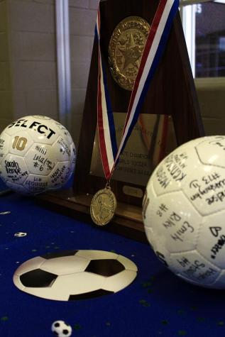 Boys soccer finishes in third place in tough district 5-5A
