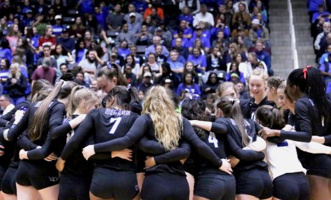 Photo Gallery: Volleyball Game 10/2/15