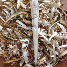 Jason-Robards-Hedgerow-Crafts-Hand-Carved-Greenwood-Oak-Pipe-Tamper-2