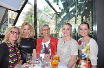Heidi Kriz (A.R.T. consultinggroup), Fotografin Barbara Nidetzky, Hedi Grager, Corinne Falkensteiner, Eva Poleschinski (Foto Reinhard Sudy)